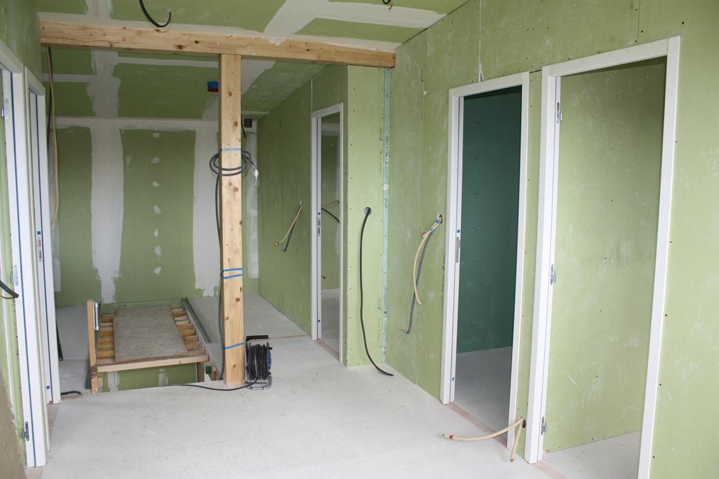 savoir faire bertili construction. Black Bedroom Furniture Sets. Home Design Ideas